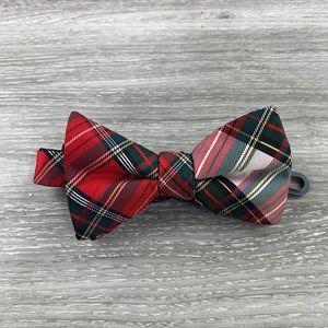 Stafford Christmas Plaid Bow Tie